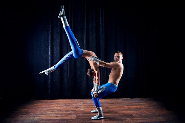 Акробатическое шоу - фото №1