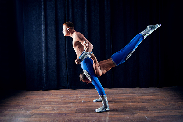 Акробатическое шоу - фото №2