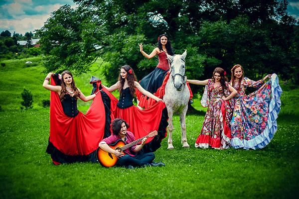 Цыганский ансамбль - фото №2
