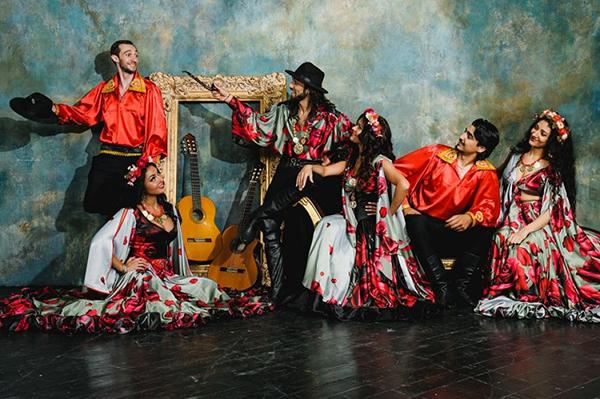 Цыганский ансамбль - фото №3
